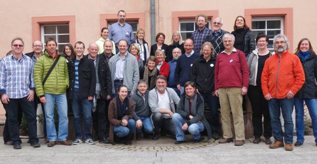 Seminar-Teilnehmer vor dem Erbacher Hof
