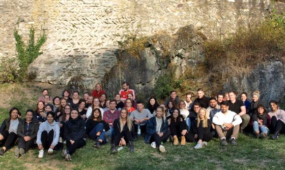 Gruppenfoto der Teilnehmer und Teilnehmerinnen der Bauaufnahmekampagne WS2018/19 in Königstein (Foto: C. Schlott)